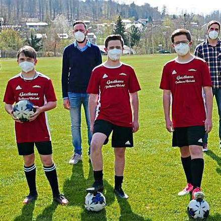 FC Sturm und Sport-Mittelschule helfen zusammen